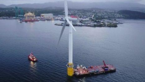 Scotland's coast hosts world's first floating farm