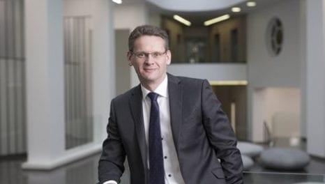 Pettigrew defends EFR contracts