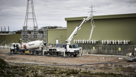 Delivering electricity to the grid